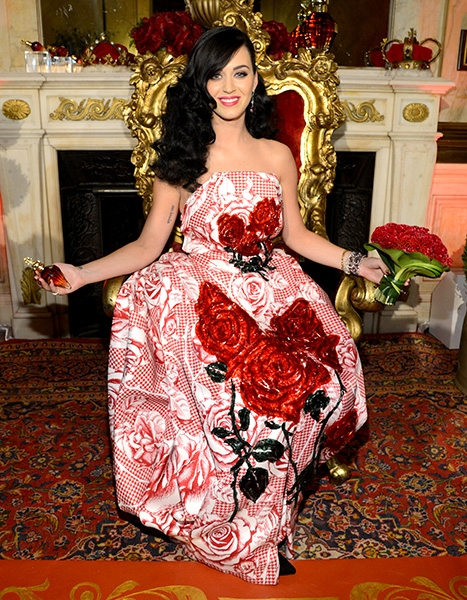 2may2013-katy-perry-outrageous-fashion-600